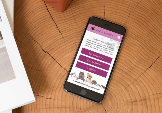 Karvajengin mobiilisovellus UI. Adobe Comp.